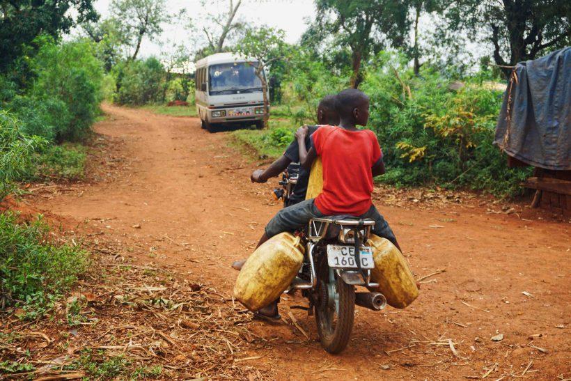 UGANDA 7 Melissa Askew on Unsplash copia